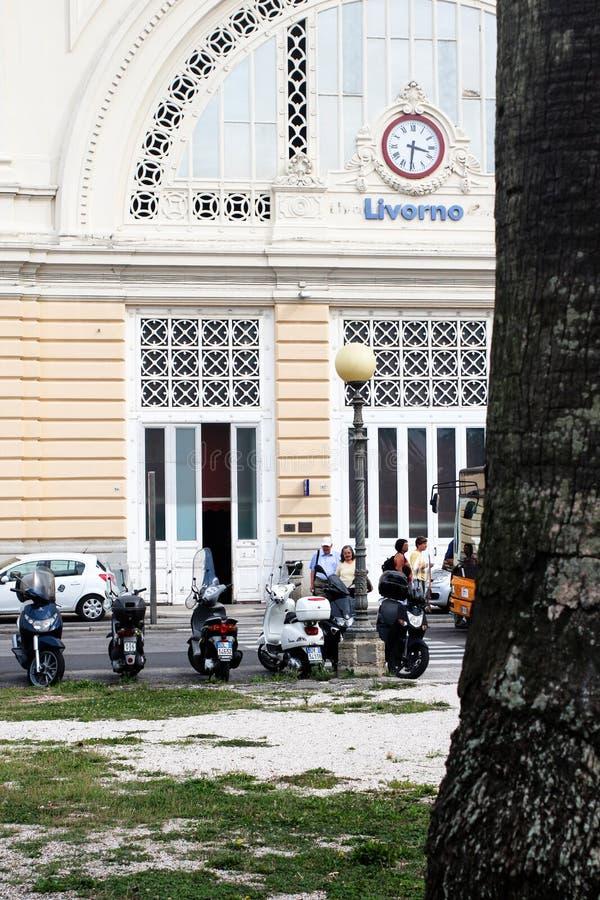 Livourne, Italie - 25 septembre 2016 : La gare ferroviaire centrale de Livourne Livourne a été fondée en 1017 en tant qu'un des p image stock