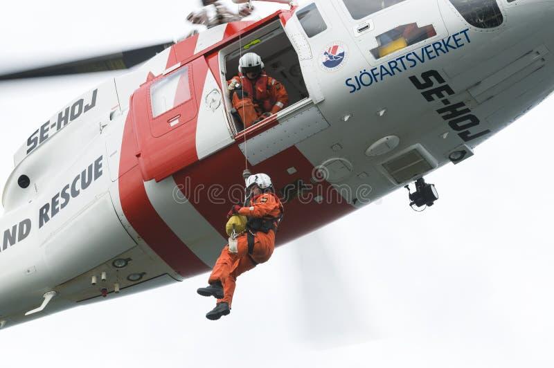 Sökande och räddningsaktionSAR-helikopter royaltyfri fotografi