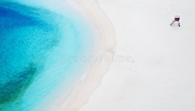 Livräddare Station på stranden i Naha, Okinawa, Japan arkivfoton