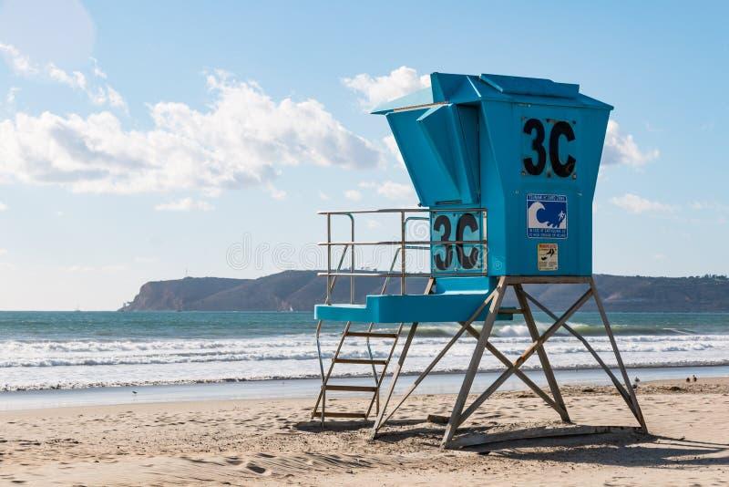 Livräddare Tower på den Coronado stranden arkivbilder