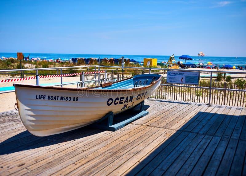 Livräddningsbåt i havstaden, NJ royaltyfria bilder