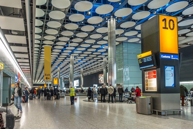 Livraison des bagages du terminal 5 de Londres Hethrow photographie stock libre de droits