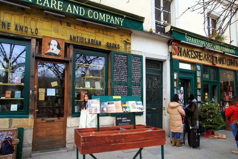 Livraria de Shakespeare e Empresa em Paris fotografia de stock