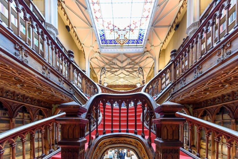 Livraria Lello, la libreria famosa a Oporto, Portogallo immagini stock libere da diritti