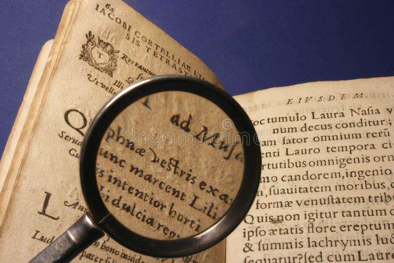 Livre antique photos libres de droits