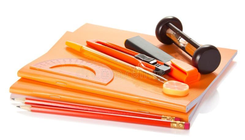 Livre d'exercice, accessoires à la lettre images stock