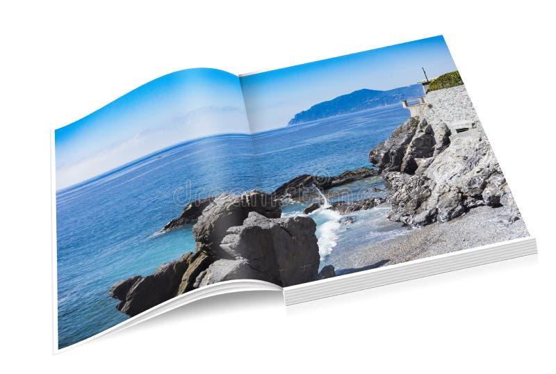 Livre de côte rocheuse de Nervi à Gênes photographie stock
