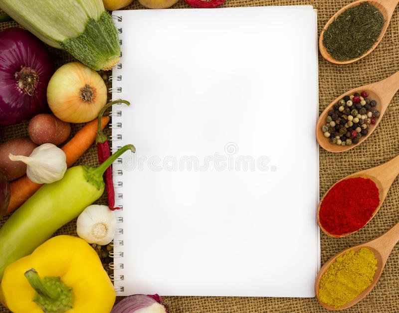 Livre de cuisine vide pour des recettes image stock