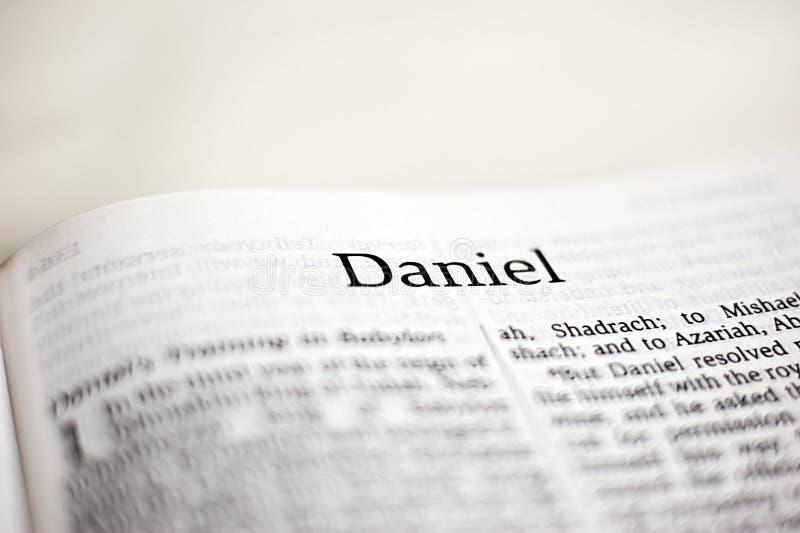 Livre de Daniel image stock