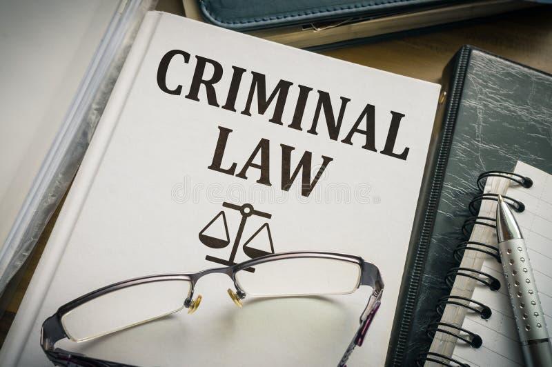 Livre de droit pénal Concept de législation et de justice photographie stock libre de droits
