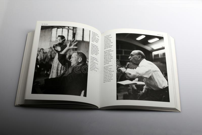 Livre de photographie par Nick Yapp, Georges Enesco et Igor Stravinsky image stock