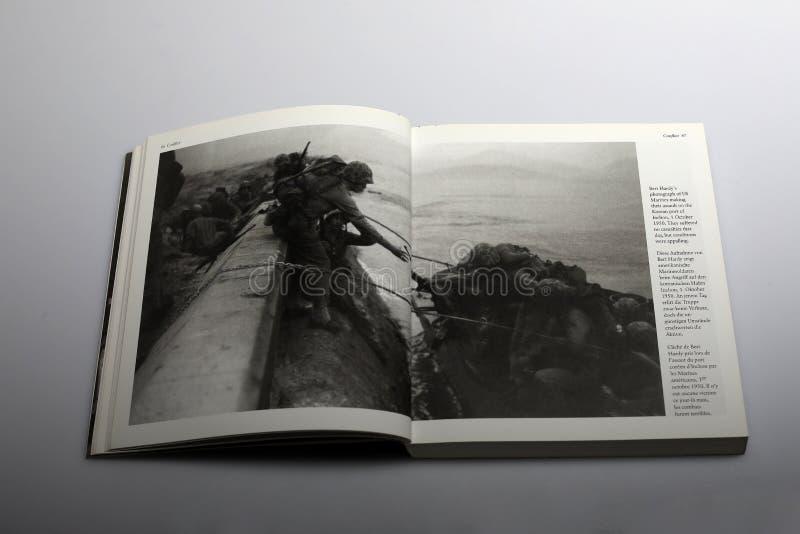 Livre de photographie par Nick Yapp, marines des USA image libre de droits