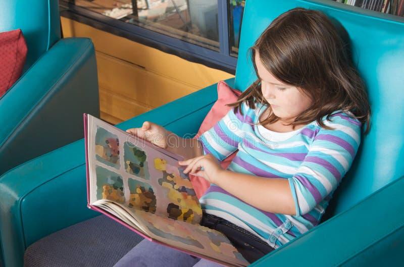 Livre de relevé d'enfant images libres de droits