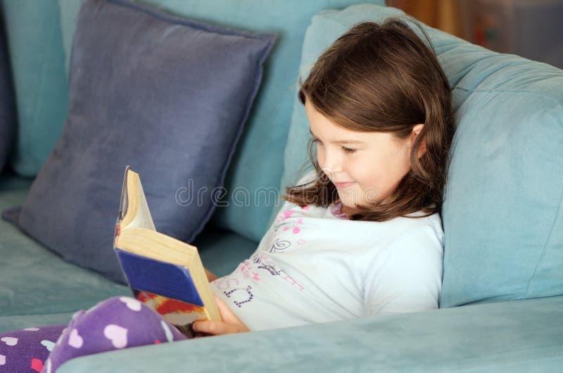 Livre de relevé d'enfant photographie stock libre de droits