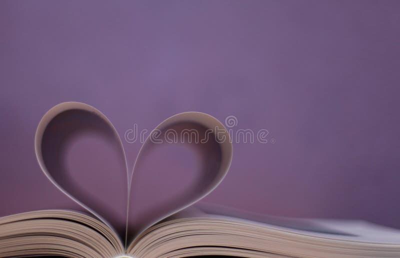 Livre, forme de coeur photos stock