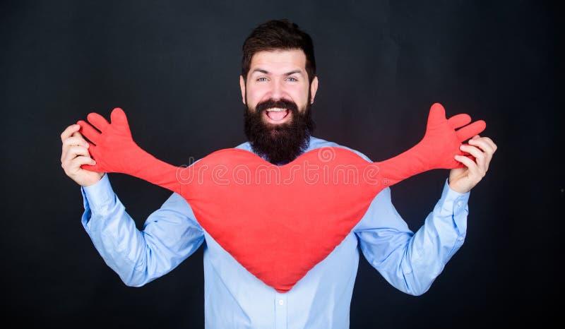 Livre hugs Coração farpado do abraço do moderno do homem Comemore o dia de Valentim Indivíduo com barba e bigode no humor românti imagens de stock