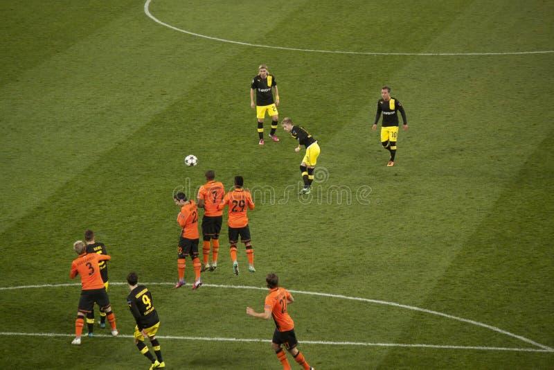 Livre-retrocesso de Borussia dos jogadores de futebol perfurado fotos de stock