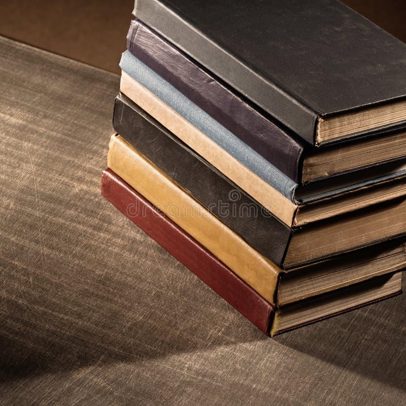 Download Livres photo stock. Image du livre, vieux, fond, recherche - 56482940