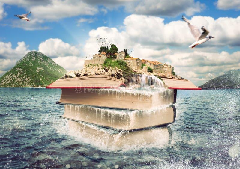 Livres avec une île agréable sur le dessus photographie stock