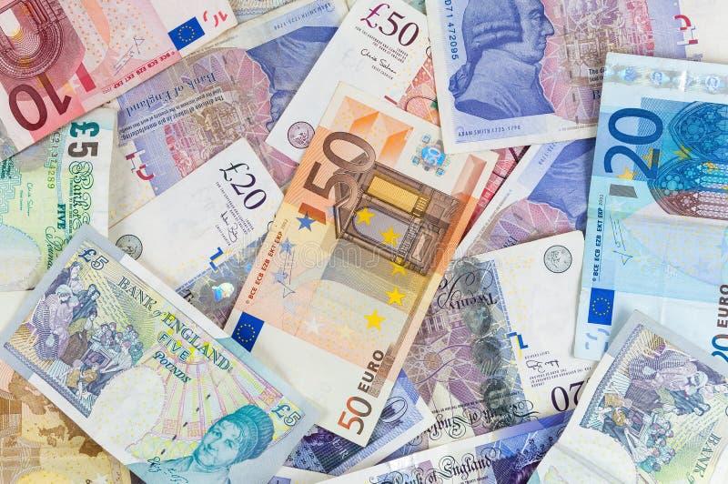 Livres britanniques et euro fond de billets de banque image libre de droits
