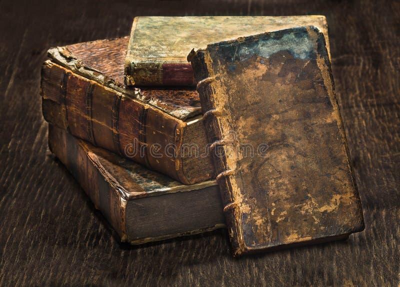 Livres 3 d'antiquité image libre de droits