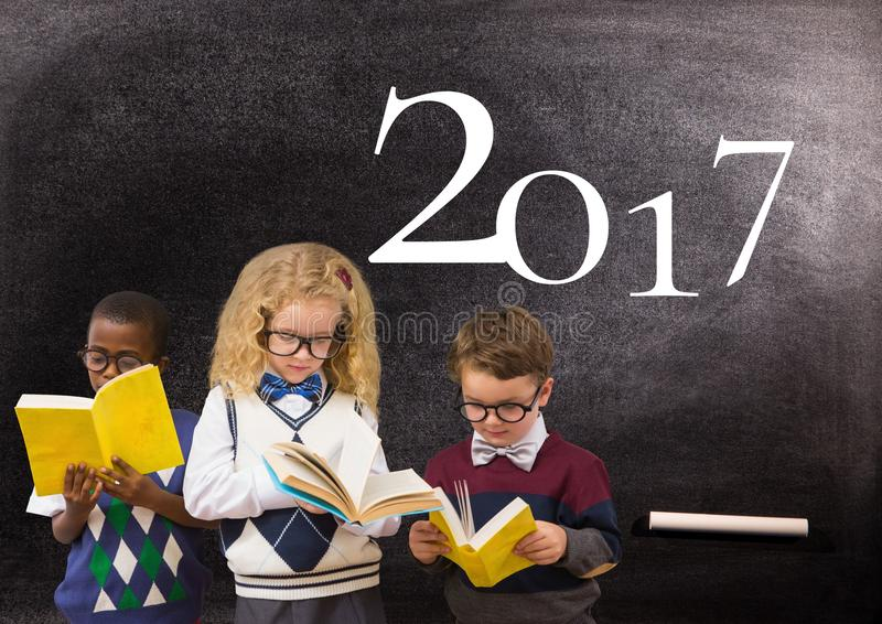 Examen Contre Le Tableau Vert Image stock - Image du éducation, attentivement: 63268787