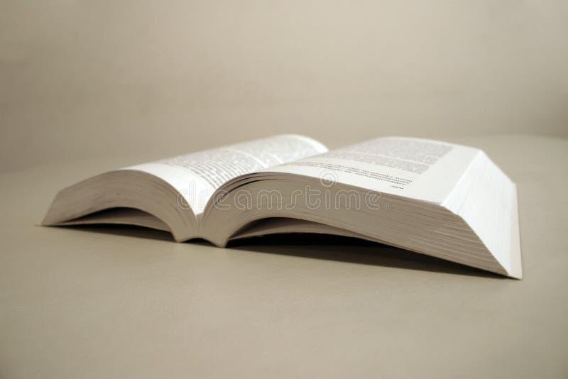Download Livro aberto foto de stock. Imagem de literatura, leitura - 60192