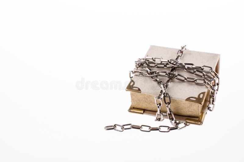 Livro acorrentado imagens de stock