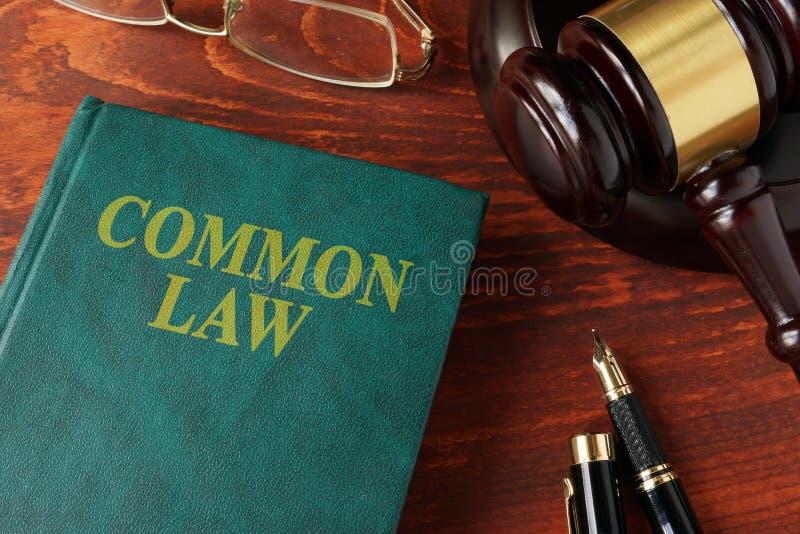 Livro com direitos comuns do título fotos de stock royalty free