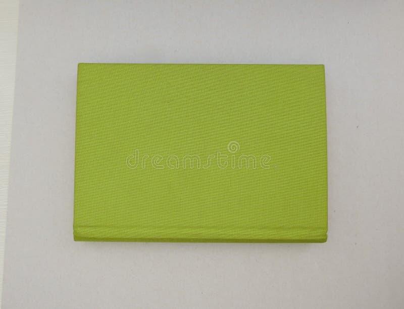 Livro com tampa de tela verde fotos de stock royalty free