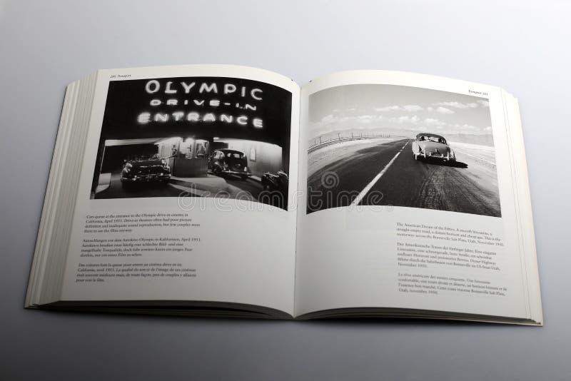 Livro da fotografia por Nick Yapp, cinema olímpico do cinema ao ar livre em Califórnia imagem de stock