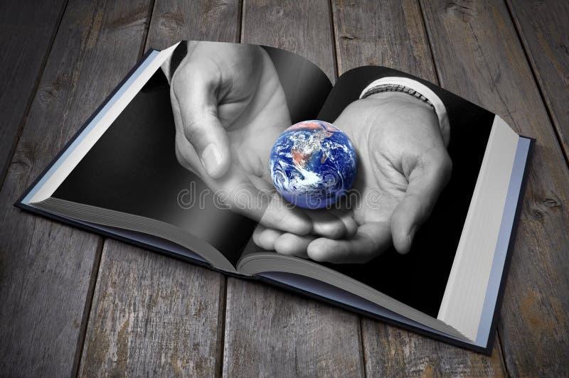 Livro da terra da sustentabilidade fotos de stock
