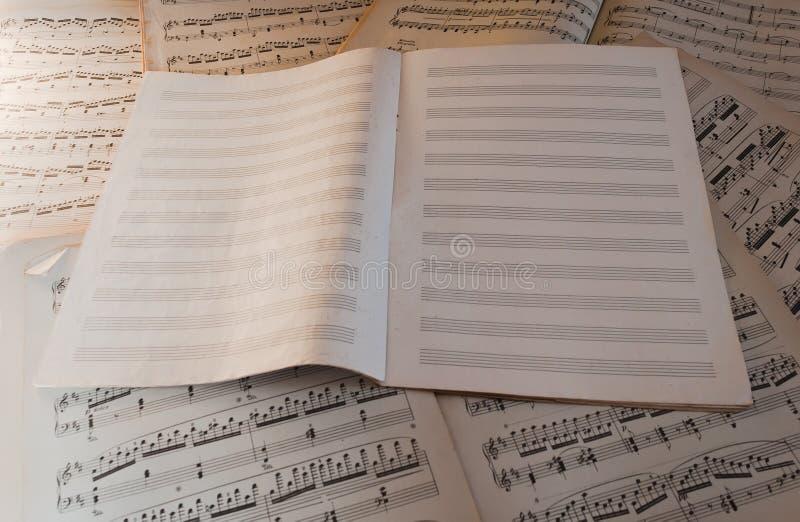 Livro de música imagens de stock