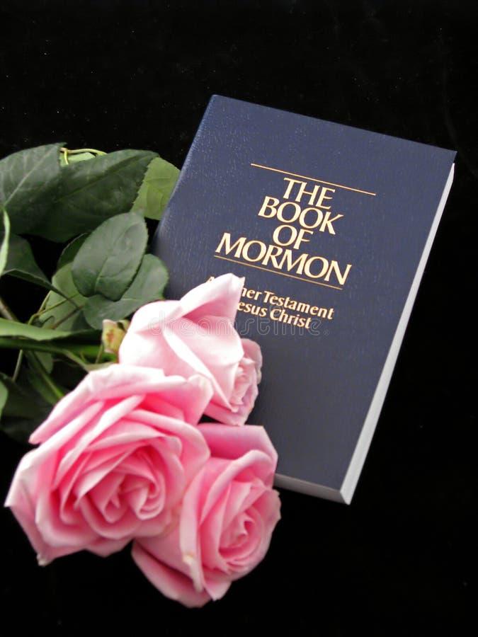 Livro de mormon e de rosas
