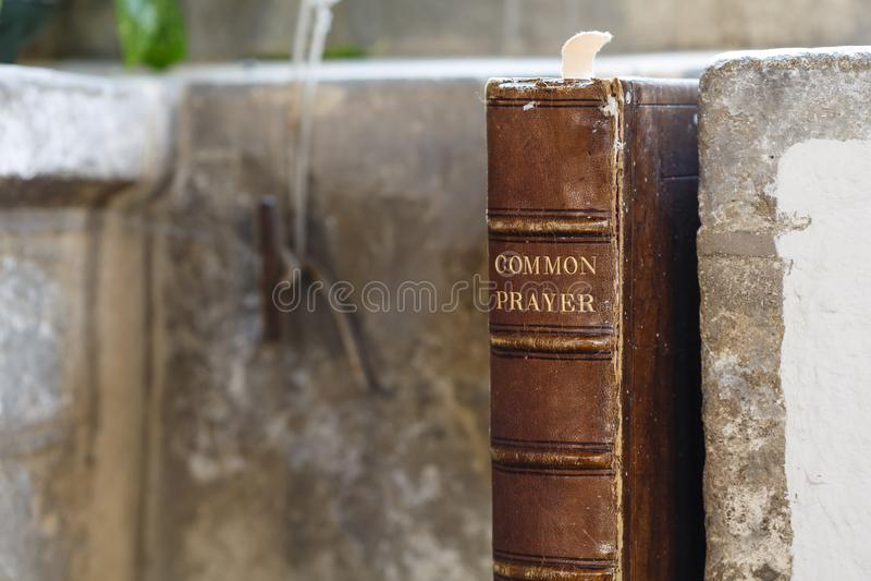 Livro de oração velho fotografia de stock