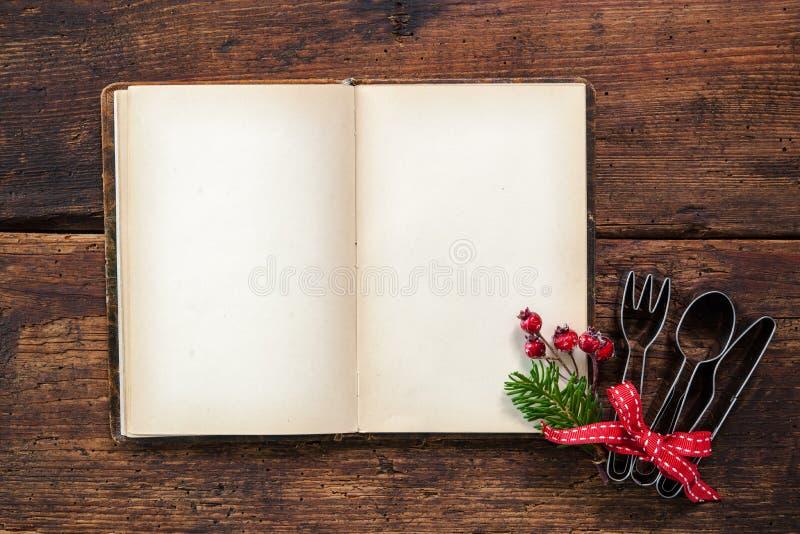 Livro de receitas vazio para receitas do Natal imagem de stock