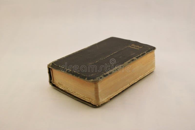 Livro fechado da Bíblia Sagrada fotos de stock