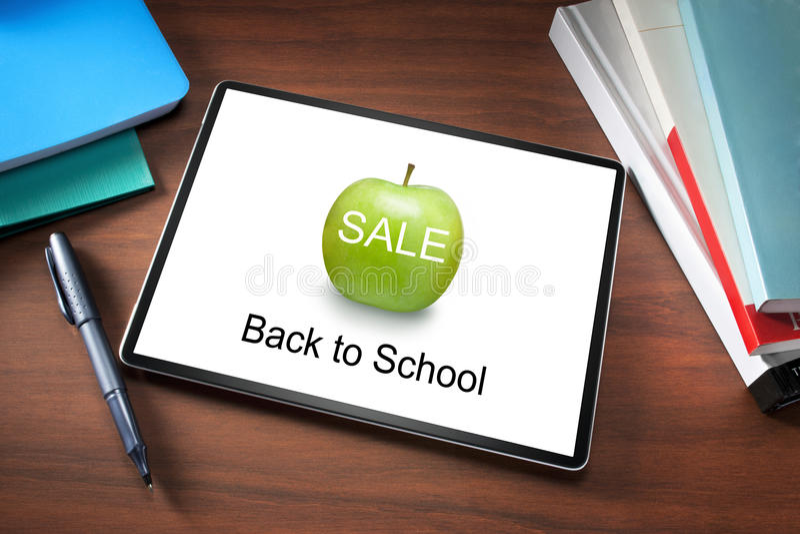Livros da tabuleta da venda da escola fotos de stock royalty free