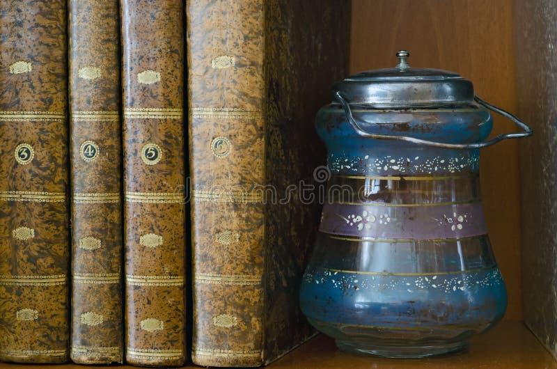 Livros E Frasco Fotografia de Stock Royalty Free