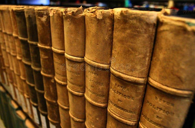 Livros encadernados de couro imagem de stock royalty free