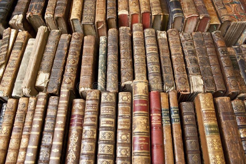 Livros esfarrapados imagens de stock royalty free