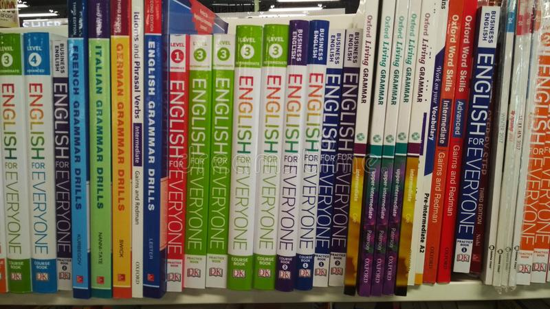 Livros ingleses | biblioteca imagem de stock royalty free