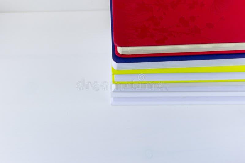 Livros no fundo branco foto de stock royalty free