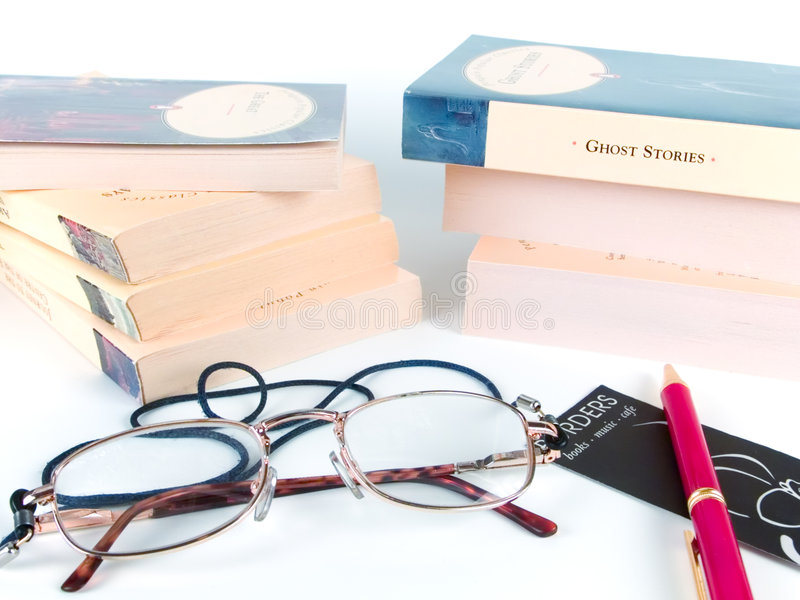 Download Livros, vidros e pena imagem de stock. Imagem de inglês - 534077