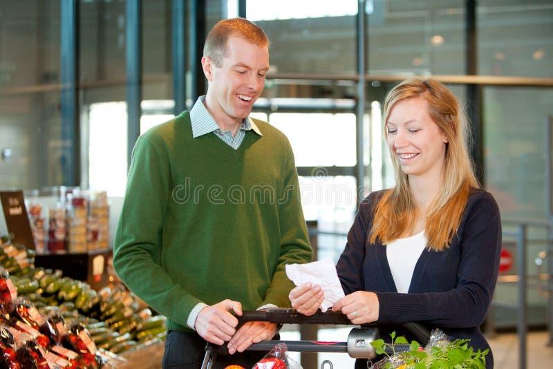livsmedelsbutiklista royaltyfria foton