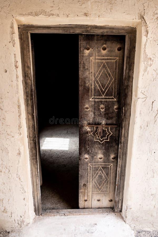 Liwa Fort no deserto de Liwa, Emirados Árabes Unidos imagem de stock royalty free