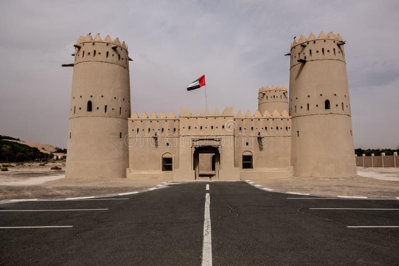 Liwa Fort no deserto de Liwa, Emirados Árabes Unidos imagens de stock royalty free