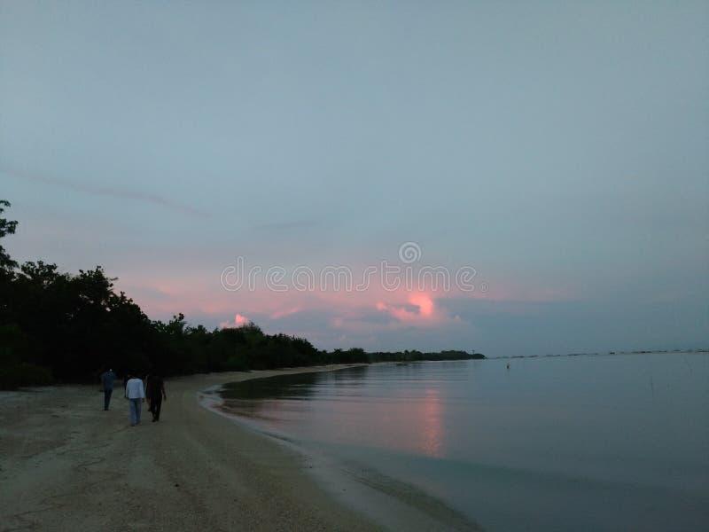 Liwungan ö för soluppgång royaltyfri foto