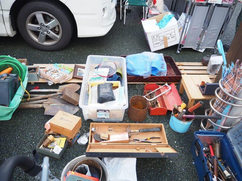 Lixo útil, feira da ladra de Japão foto de stock