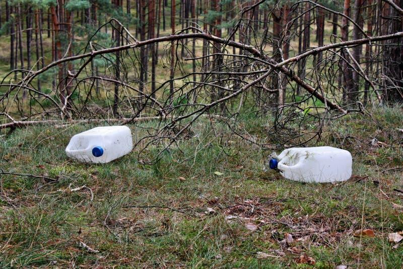 Lixo na floresta